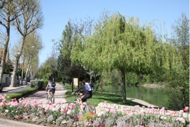 Parcours à vélo le long de la Marne, à Saint-Maur-des-Fossés
