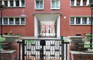Un des portails du square Dufourmantelle, à Maisons-Alfort